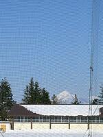 グランドから見える磐梯山の頂き